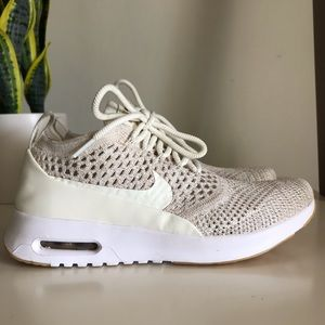 Nike LW Air Max Thea Ultra Flyknit Shoe